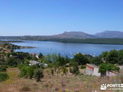 Piragua El Atazar;viajes de fines de semana revista senderismo sigüenza medieval